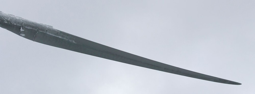 Example from real life: Clean blade with WIPS heating elements, operating in Quebec, Canada.
